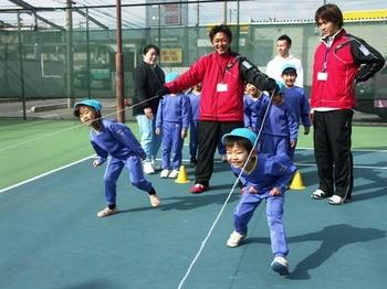 2011.2.10戸ヶ崎幼稚園児体験レッスン 028.jpgB8.jpg